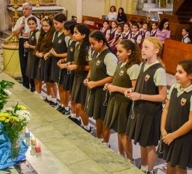 One million children praying the Rosary for unity and peace