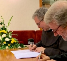Signature of an agreement between the Custody of the Holy Land and Italian Institutions