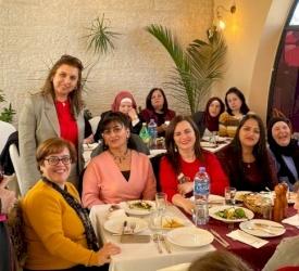 Les écoles du Patriarcat latin se réunissent autour d'un repas de Noël