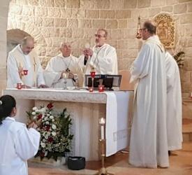 Une délégation patriarcale rend visite à la paroisse d'Ain Arik