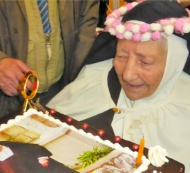 Carmelite Mother Antoinette celebrates her 100th birthday in Nazareth