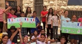 Faire battre la France dans le coeur des Palestiniens : les camps d'été en langue française
