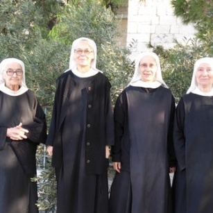 Benedictine Sisters of Our Lady of Calvary pray for political leaders and the world