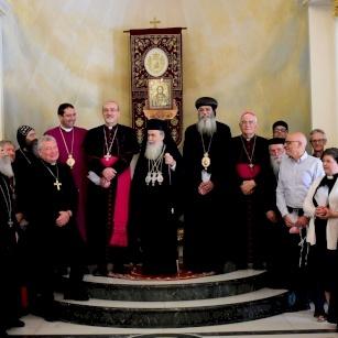 البطريرك بييرباتيستا بيتسابالا يزور بطريركية الروم الأرثوذكس بمناسبة عيد الفصح المجيد