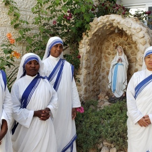 """Missionaries of Charity: """"Jesus, help us to spread Your fragrance everywhere we go"""""""