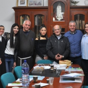 المكتب الرعوي يواصل اجتماعاته حول مسيرة العائلات المسيحية في الأبرشية