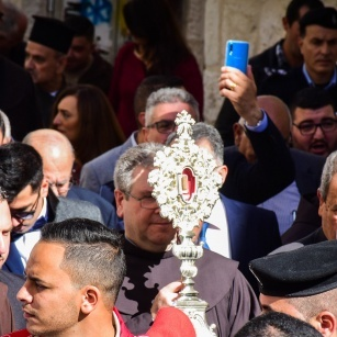 Fragment of relic of Sacred Crib of Jesus arrives in Bethlehem from Basilica of St. Mary Major