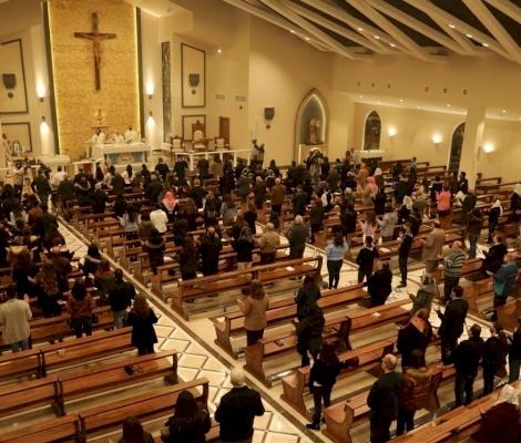 La gioia dei parrocchiani di San Paolo Apostolo, a Jubeiha per la loro chiesa finalmente completata