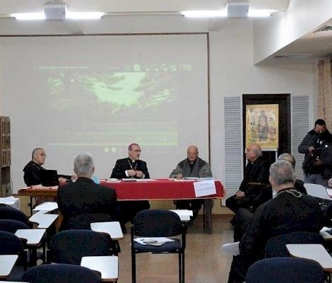 الأساقفة الكاثوليك يتناولون مواضيع المدارس وعام العائلة والمبادئ التوجيهية المسكونية الرعوية