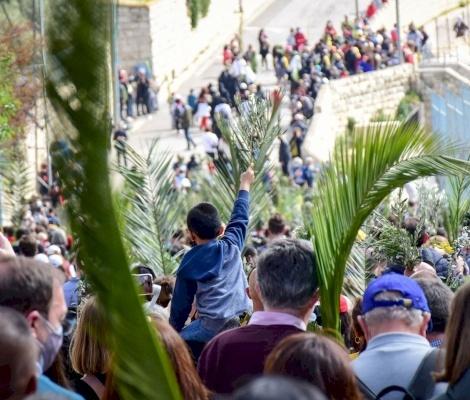 Las celebraciones del Domingo de Ramos continúan a pesar de la gran ausencia de cristianos y peregrinos palestinos
