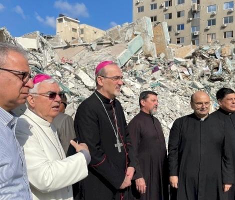 El patriarca Pizzaballa concluye la visita solidaria de 4 días a los cristianos en Gaza