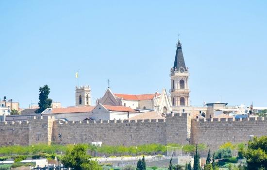 Lettre de Mgr Pizzaballa concernant la réouverture des lieux de culte dans le diocèse de Jérusalem