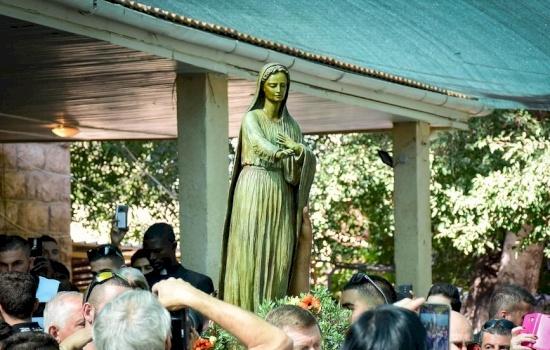 تأملات الشهر المريمي، ٣١ أيار: مريم يا إكليل المحبة