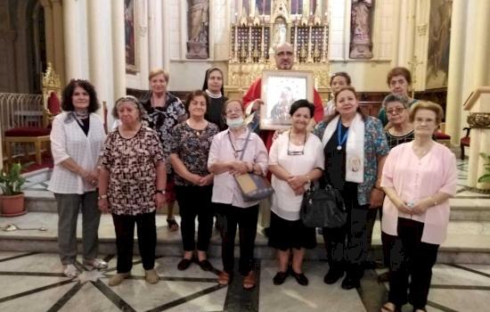 أخوية الأمهات المسيحيات يحتفلن بعيدهن في كاتدرائية البطريركية اللاتينية في القدس