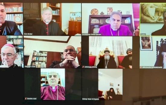 """رؤساء كنائس القدس يتبادلون تهاني عيد الميلاد المجيد عبر تطبيق """"زووم"""""""
