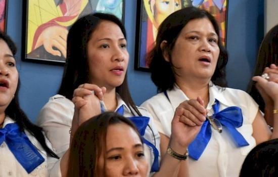 Gli ordinari cattolici esprimono preoccupazione per la decisione di espellere madri e bambini filippini