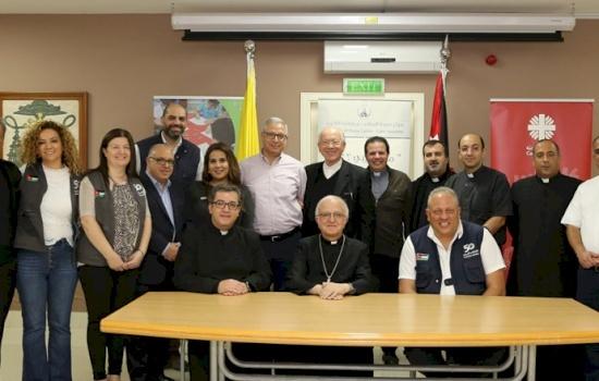Giordania: le scuole del Patriarcato latino firmano 12 accordi di cooperazione con Caritas Giordania a favore dei rifugiati siriani