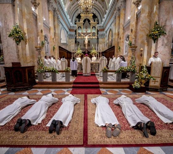 Six nouveaux diacres franciscains à Jérusalem