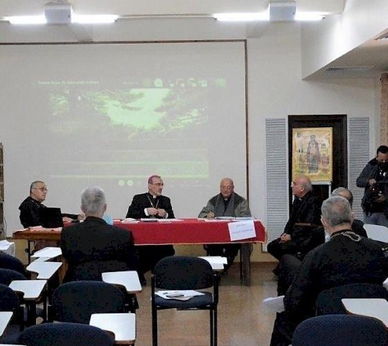 Les Ordinaires catholiques évoquent les écoles catholiques, l'Année de la famille et les directives œcuméniques pastorales