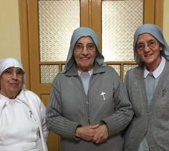 La Comunità delle Figlie di Sant' Anna prega per i Sacerdoti della Diocesi