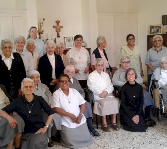 """Las hermanasFranciscanas Misioneras de María: """"Dios todopoderoso, concédenos de celebrar con fervor a Cristo Resucitado"""""""