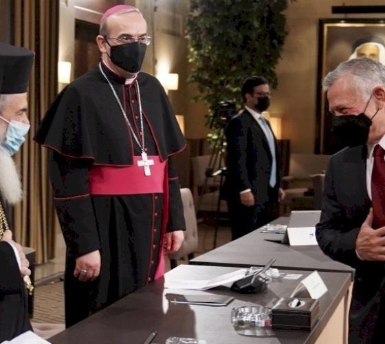 King Abdullah II meets Jerusalem Church leaders and Islamic Waqf representatives