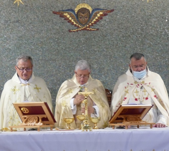 Accueil et installation à Chypre du nouvel archevêque maronite Selim Sfeir