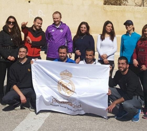 El Real Madrid visita la escuela del Patriarcado Latino en Madaba