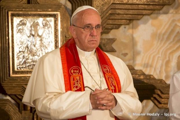 """البابا فرنسيس يكتب صلاة للسيدة العذراء """"شفاء المرضى"""" في ظل انتشار فيروس كورونا"""