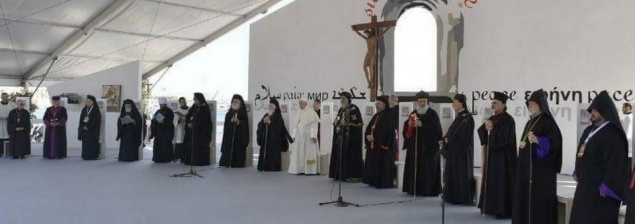 In Bari, Pope Francis and Eastern Church leaders pray for a troubled Middle East