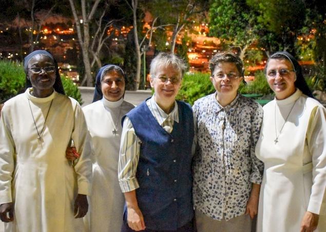 Les Sœurs dominicaines de la Présentation prient pour les familles qui affrontent l'adversité