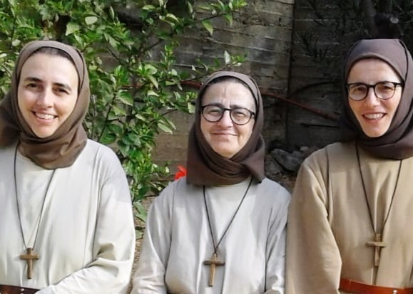 Little Family of Annunciation Community pray for youth and Virgin Mary Queen of Palestine
