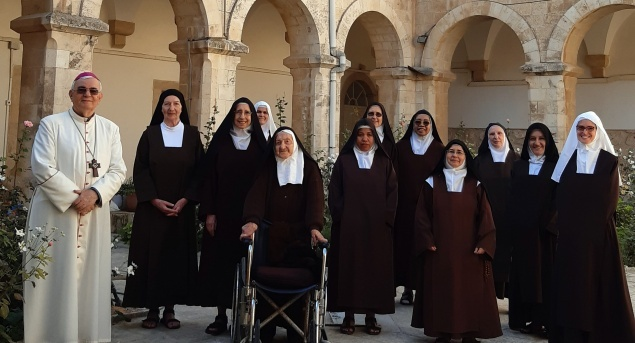 Discalced Carmelite Sisters pray for those who suffer from difficult economic situation