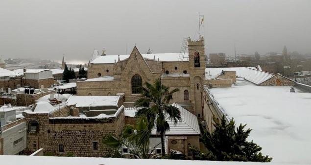 En images: la Terre Sainte parée de neige