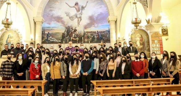 """لقاء البطريرك بيتسابالا مع الأمانة العامة للشبيبة المسيحية في فلسطين """"شبيبة موطن يسوع"""""""