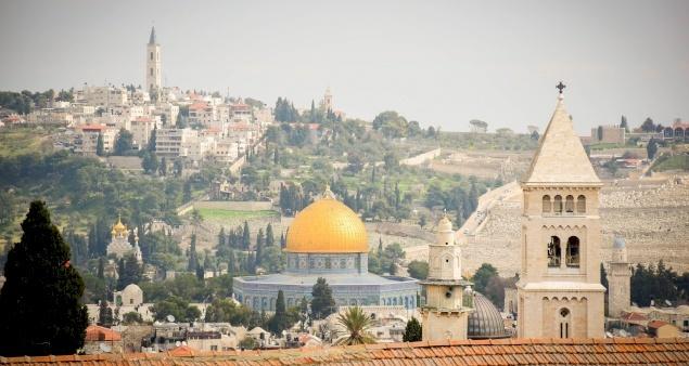 بطاركة ورؤساء كنائس القدس يعبرون عن قلقهم إزاء سلامة وكرامة الفلسطينيين في المسجد الأقصى والشيخ جرّاح
