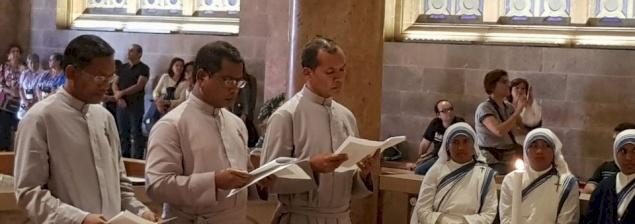 Vœux de trois Missionnaires de la Charité Contemplatifs : Tout donner au Christ